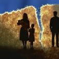 Theo điều 11 của Luật Hôn nhân và Gia đình năm 2000, việc kết hôn phải được đăng ký và do cơ quan nhà nước có thẩm quyền(sau đây gọi […]
